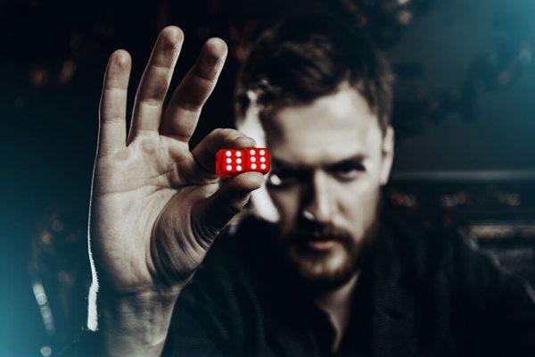 إدمان القمار والمقامرة