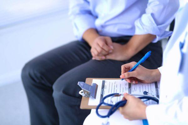 علاج مدمني الكحول – كيف يتم تنفيذ هذه العملية؟