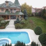 κλινική Dr VIP Vorobjev πισίνα στην αυλή